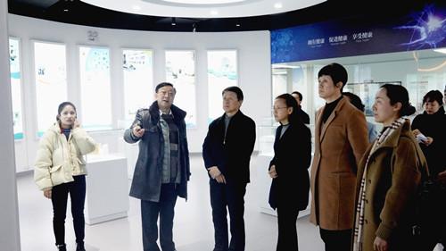 杨保建主委到云南省细胞工程中心调研